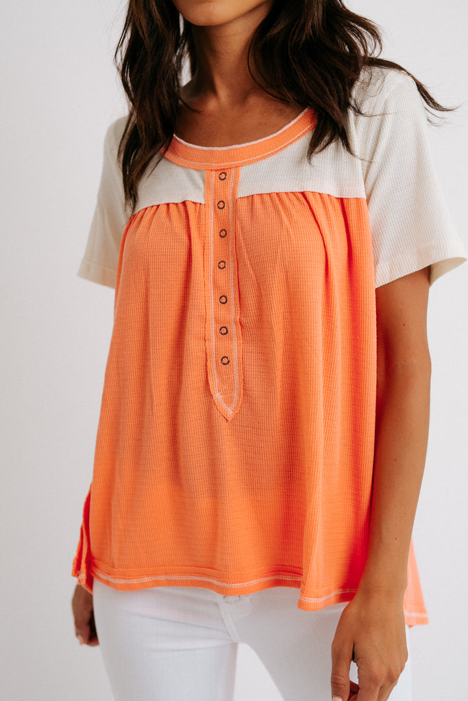 arie top // coral