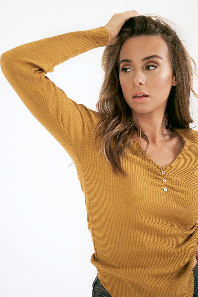 ultimate ribbed top // mustard