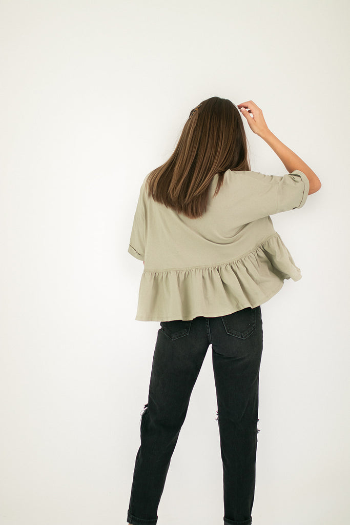 crushing button top // sage