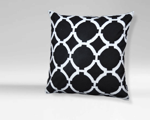 Black/ White Geometric Pattern Decorative Pillow (20'' X 20'')