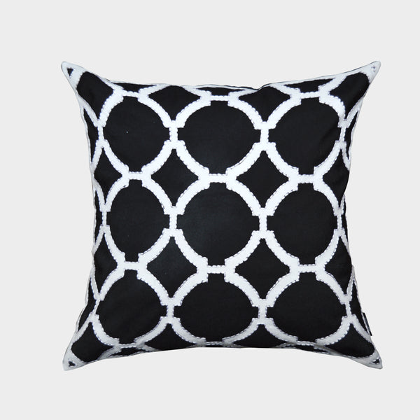 Black/ White Geometric Pattern Decorative Pillow (20'' X 20'') - A1HCSHOP