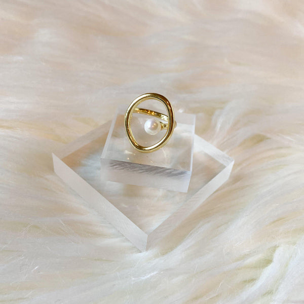 Charisma Modern Pearl Ring - 1 LEFT - The Songbird Collection