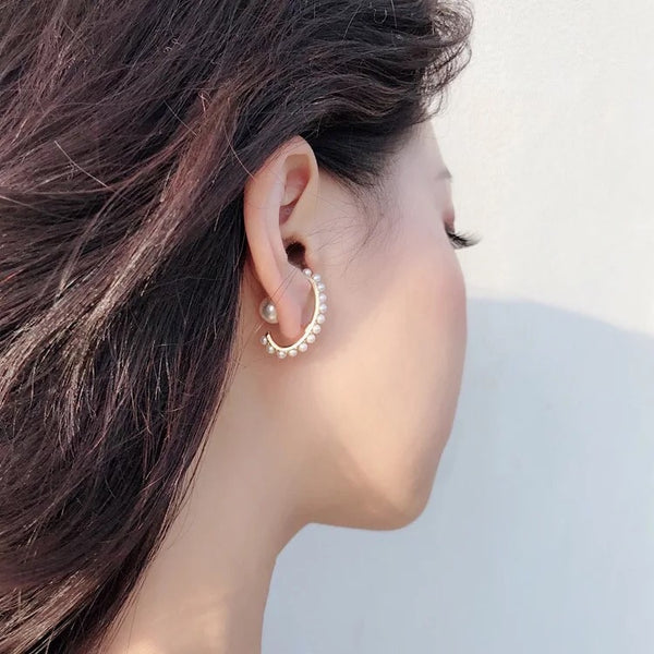 Zandi Earlobe Hugger Earrings