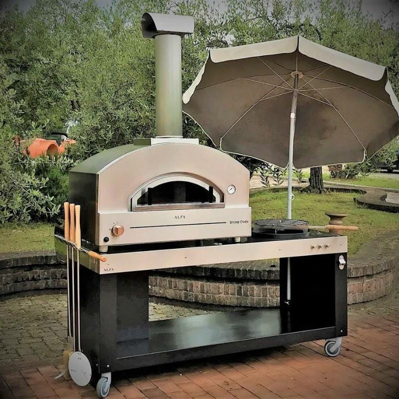 Outdoor pizza oven on pizza oven stand
