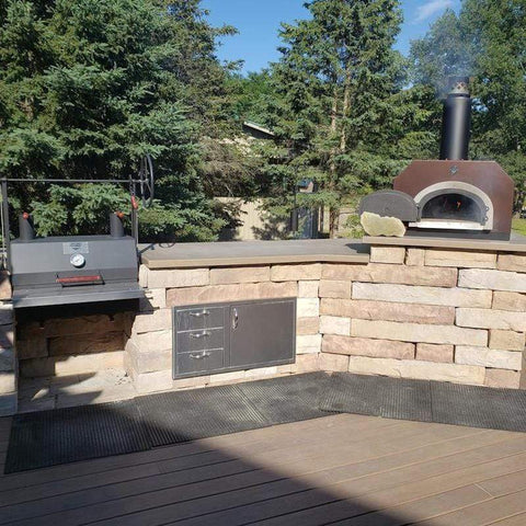 Outdoor Kitchen with a CBO-750 Pizza Oven and Grill
