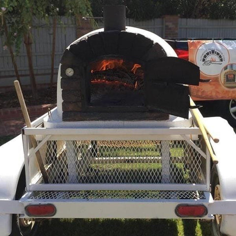 Image of Famosi Pizza Oven on Trailer
