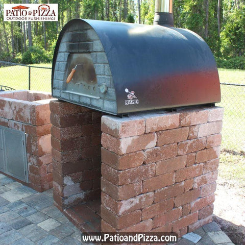 Pizza oven stand made with blocks