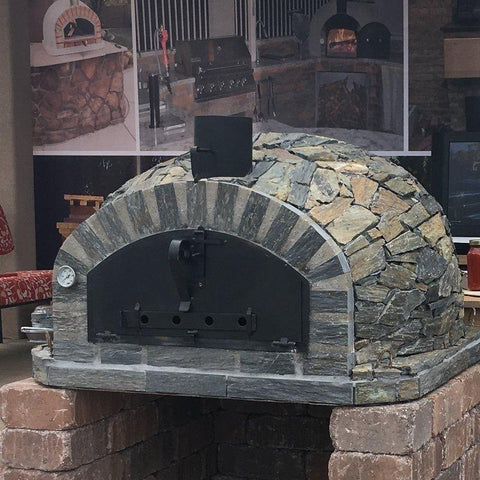 Pizzaioli brick oven with stone finish