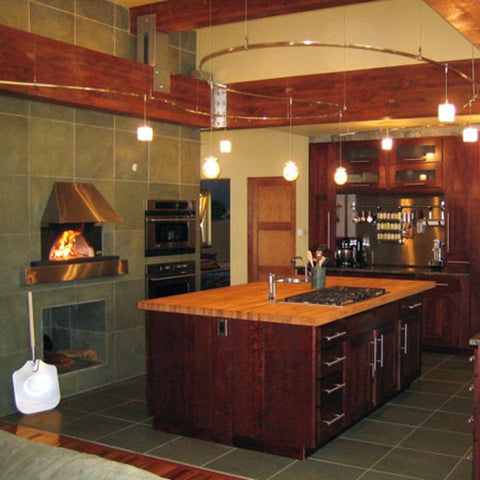 Gourmet kitchen with Earthstone pizza oven