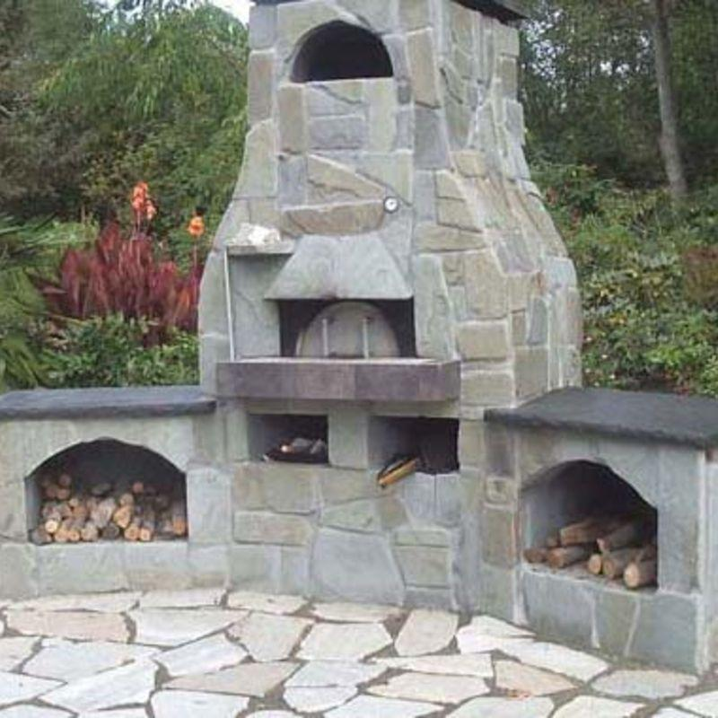 Outdoor brick pizza oven built with Earthstone Ovens Modular DIY Kit