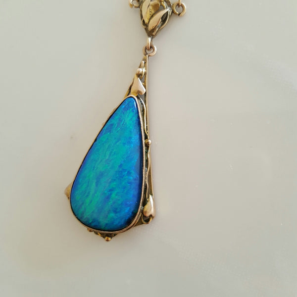Vintage Opal 9k gold necklace