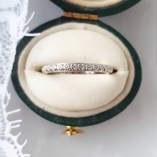 Art Deco 18k white gold floral milgrain wedding band