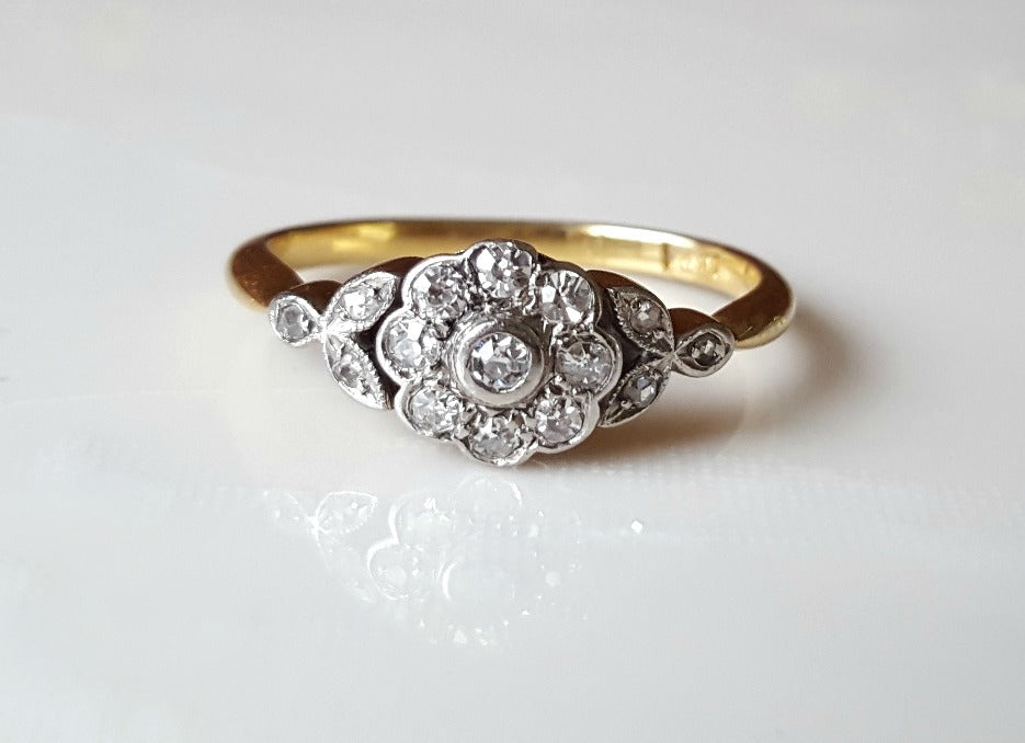 Antique Art Deco diamond daisy cluster 18K ring