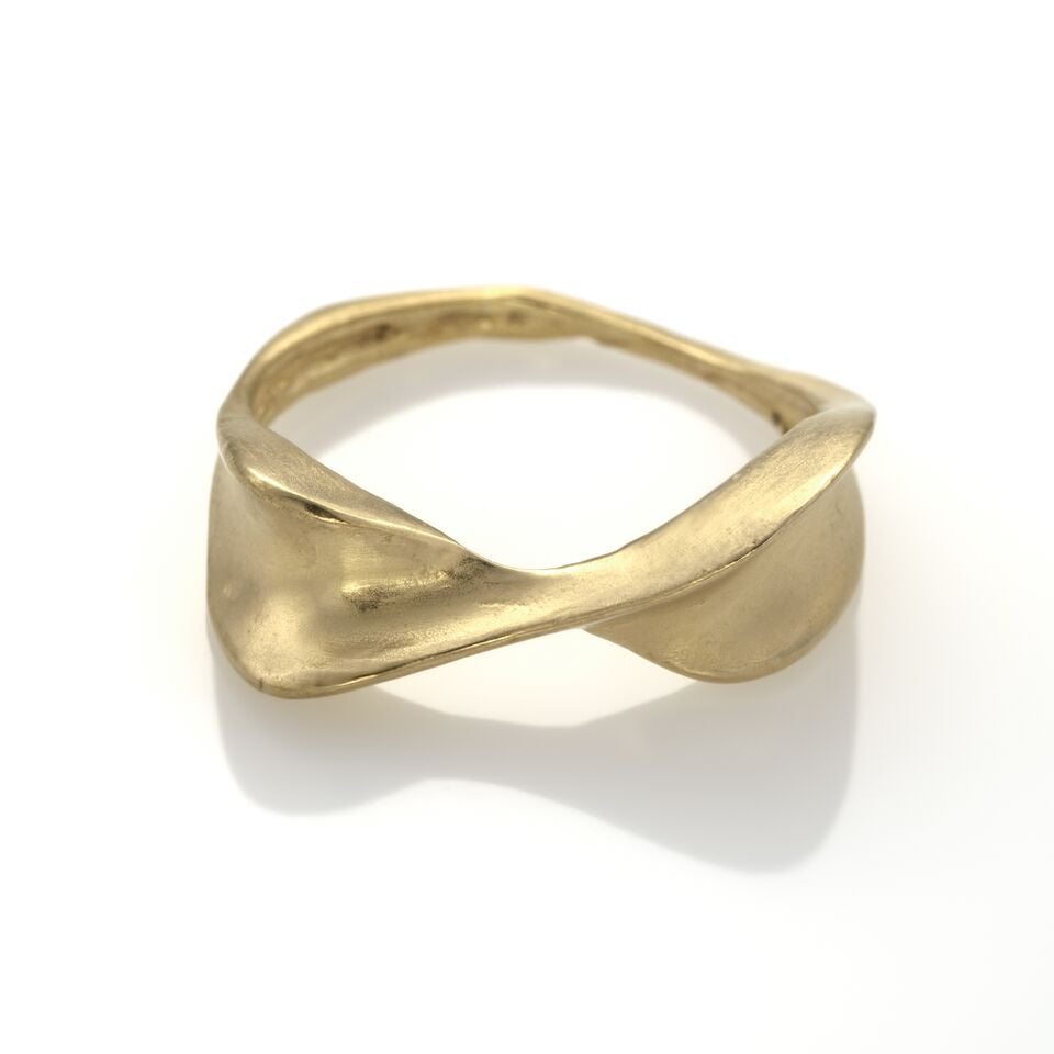 EIGHT Ring 925 Silver Plated With 14K Gold