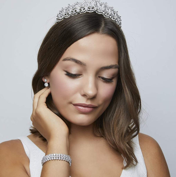 Pink Daisy Bridal has this Cambridge Crystal Tiara design inspired by Catherine Duchesse Cambridge
