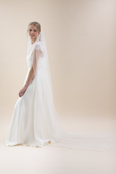 Rainbow Club Elderflower veil is a beautiful single tiered long veil with embellished pearl edging