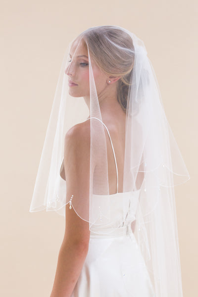 Rainbow Club's Firefly is a really pretty two tier bridal veil that really stands out for Pink Daisy