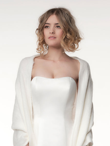 Beautiful Knitted Bridal Stole S174 by Poirier brought to you by Jupon.