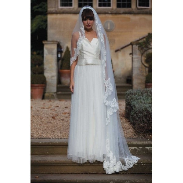 'Palermo' Lace Edge Wedding Veil