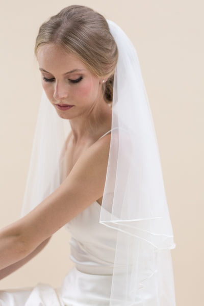 'Tosca II' Russian Braid Edge 2-Tier Bridal Veil