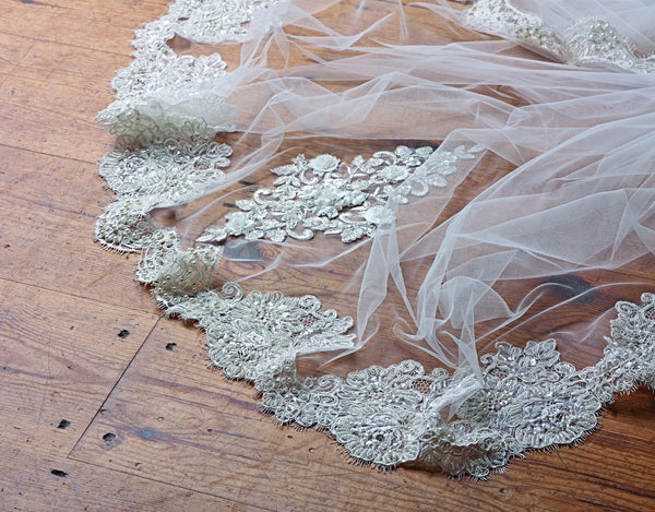 'Beverley Hills' Beaded Lace Wedding Veil
