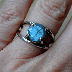 Handmade Labradorite and Sterling silver Ring - UK Size K (US Size 5)