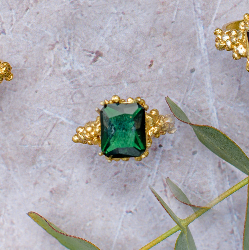 Emerald Mermaid Ring. Grain Collection. London Jewellery