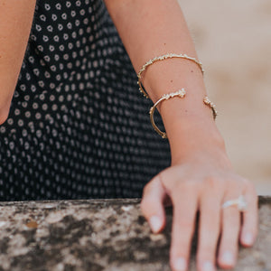 Solid Gold Moti Grain Bangle