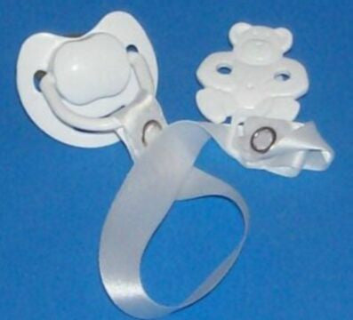 "<div style=""display: none;"">8506</div> white dummy Pacifier &  white Teddy bear Clip"