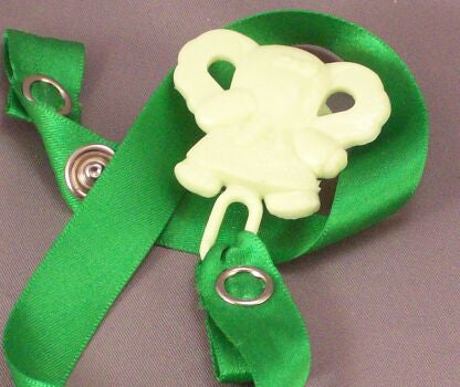 "<div style=""display: none;"">8346</div> Green Elephant / Green Ribbon Dummy Clip"
