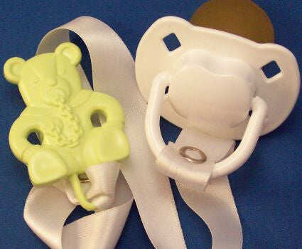 "<div style=""display: none;"">8498</div> White  Dummy Pacifier & green Teddy Bear Clip"