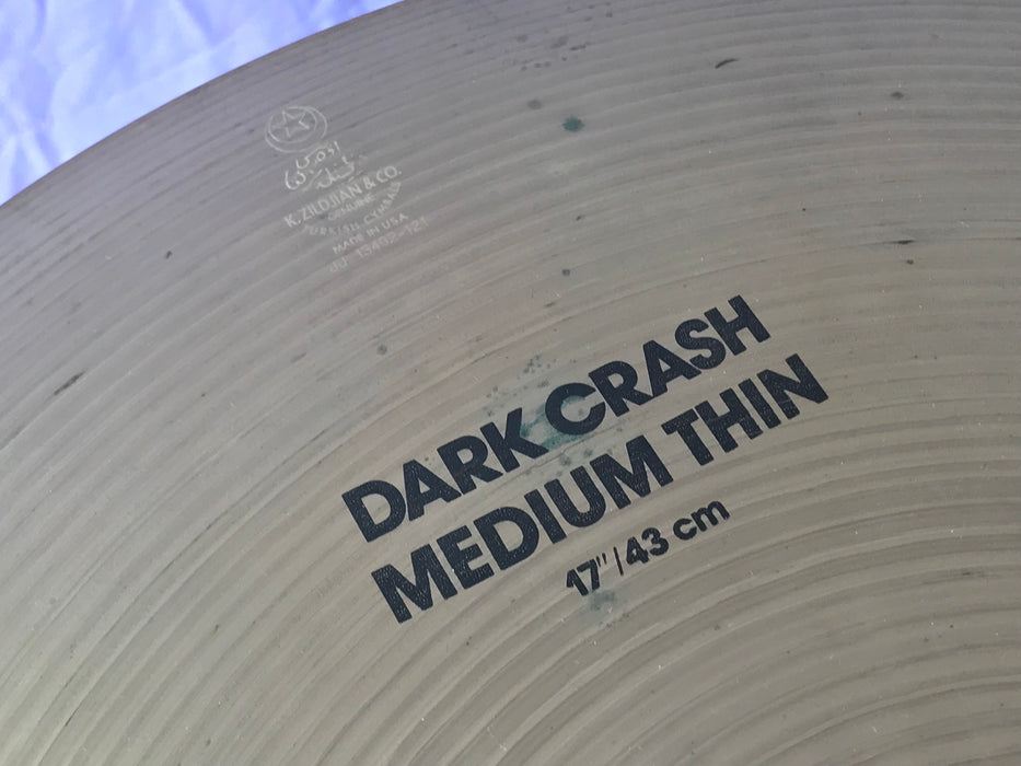 "17"" Zildjian K Dark Crash Medium Thin (2"" lathing crack)"