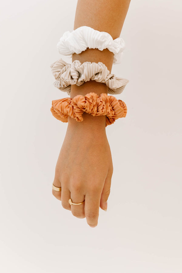 Wild Side White Scrunchie - Luca + Grae