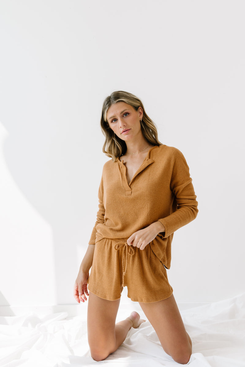 Comfort Crowd Camel Set - Luca + Grae