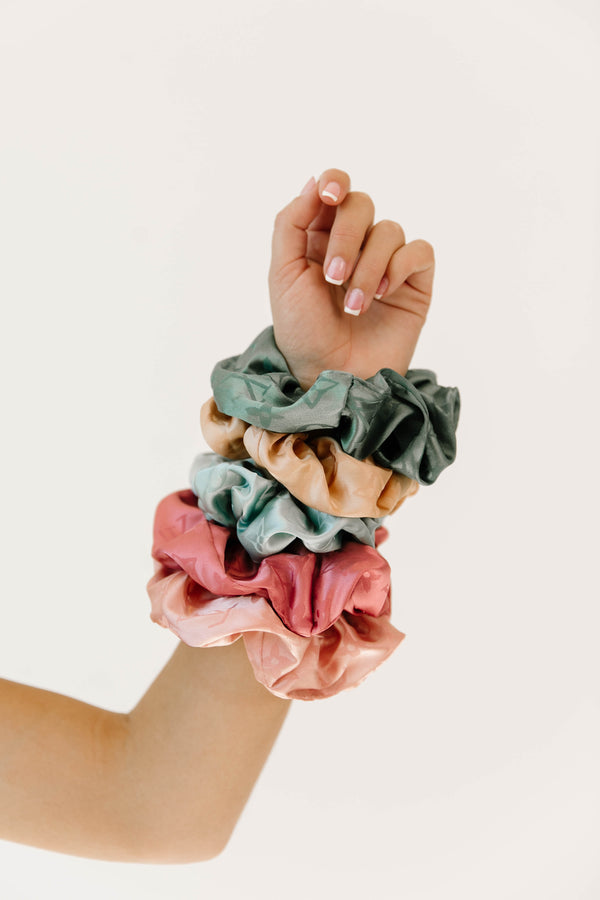 *Model Watch Champagne Scrunchie - Luca + Grae