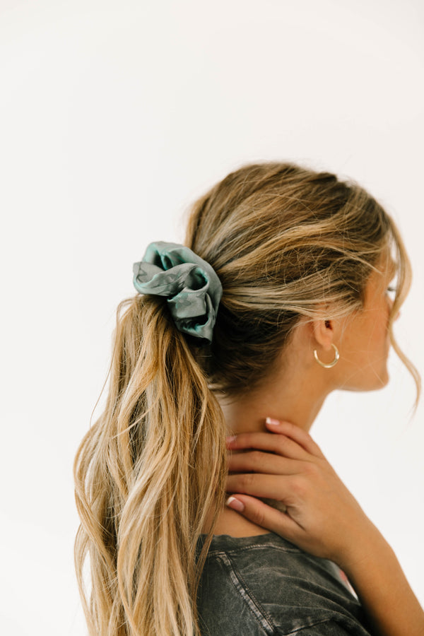 *Model Watch Green Scrunchie - Luca + Grae