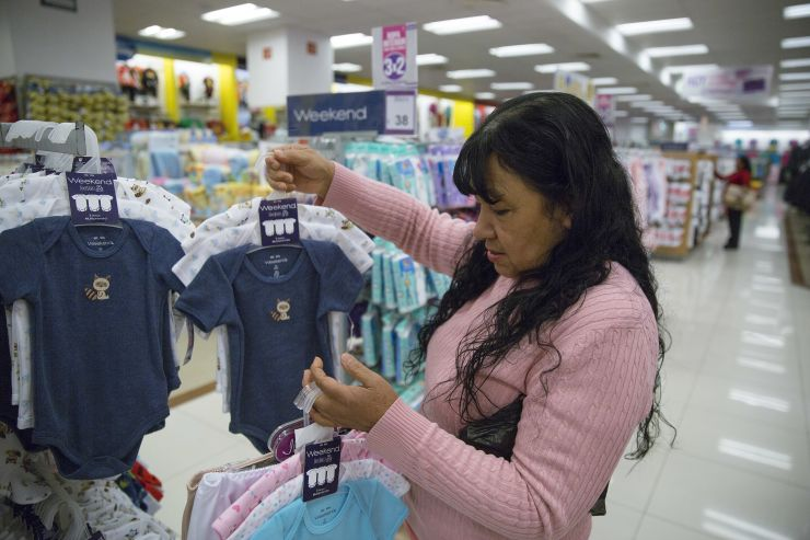 Walmart upgrades its baby registry, hoping to woo new parents, and keep their business