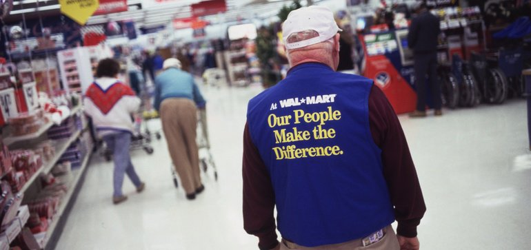 US: Walmart reportedly changing up store management again