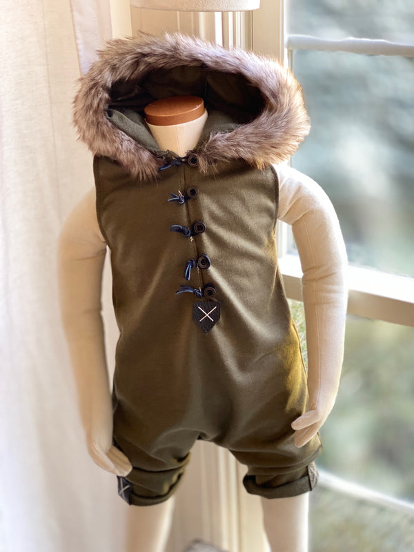 Liam Shorties romper 9-12m
