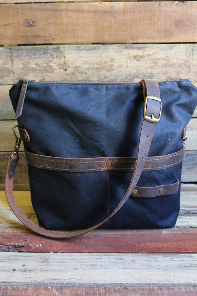 DB Zipper Top  Bag - Medium - Dream Beard - 6