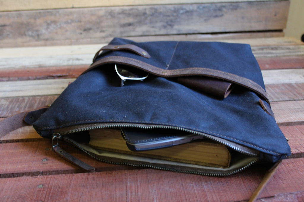 DB Zipper Top  Bag - Medium - Dream Beard - 3