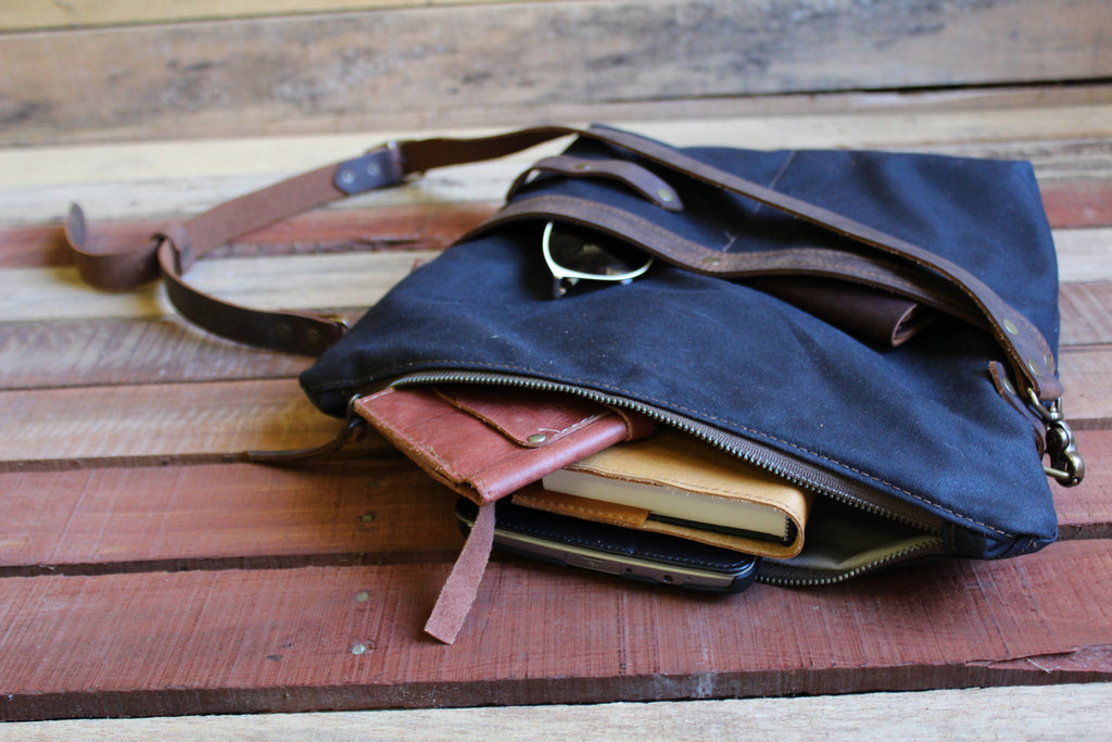 DB Zipper Top  Bag - Medium - Dream Beard - 4