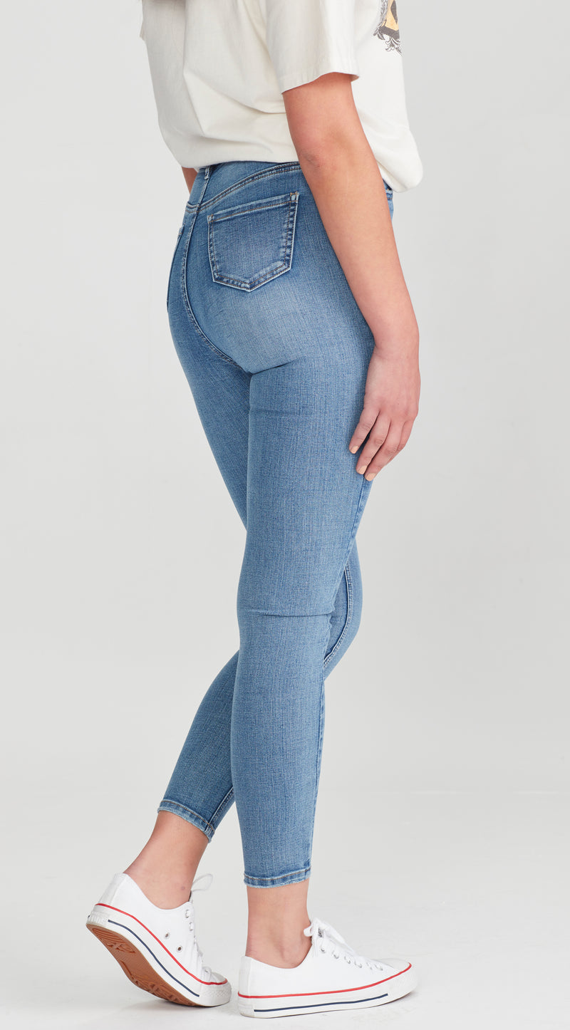 BOWIE | Ankle Grazer Jean Light Blue