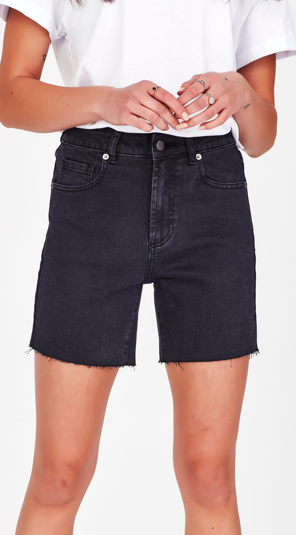 TINA | Shorts Black
