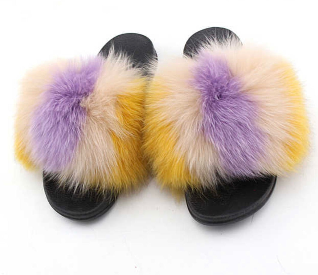 Polar fox fur slides