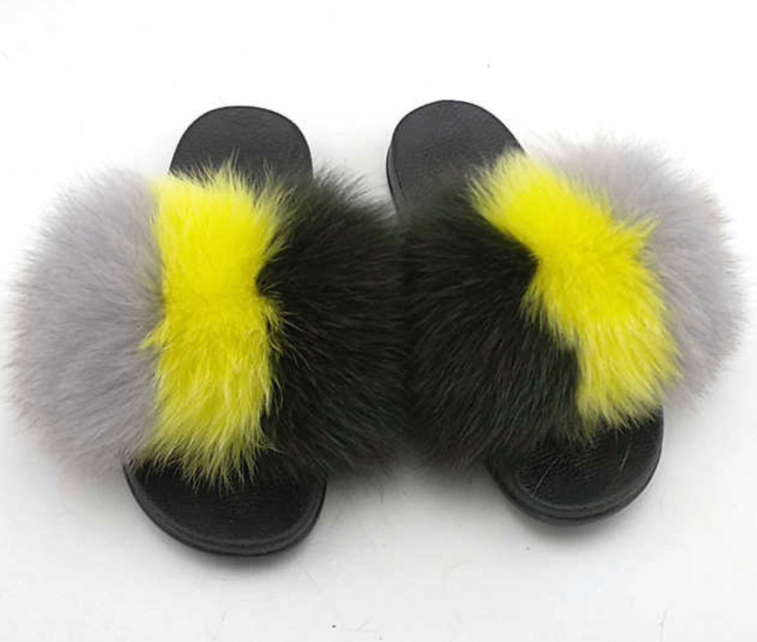 Larkin fox fur slides