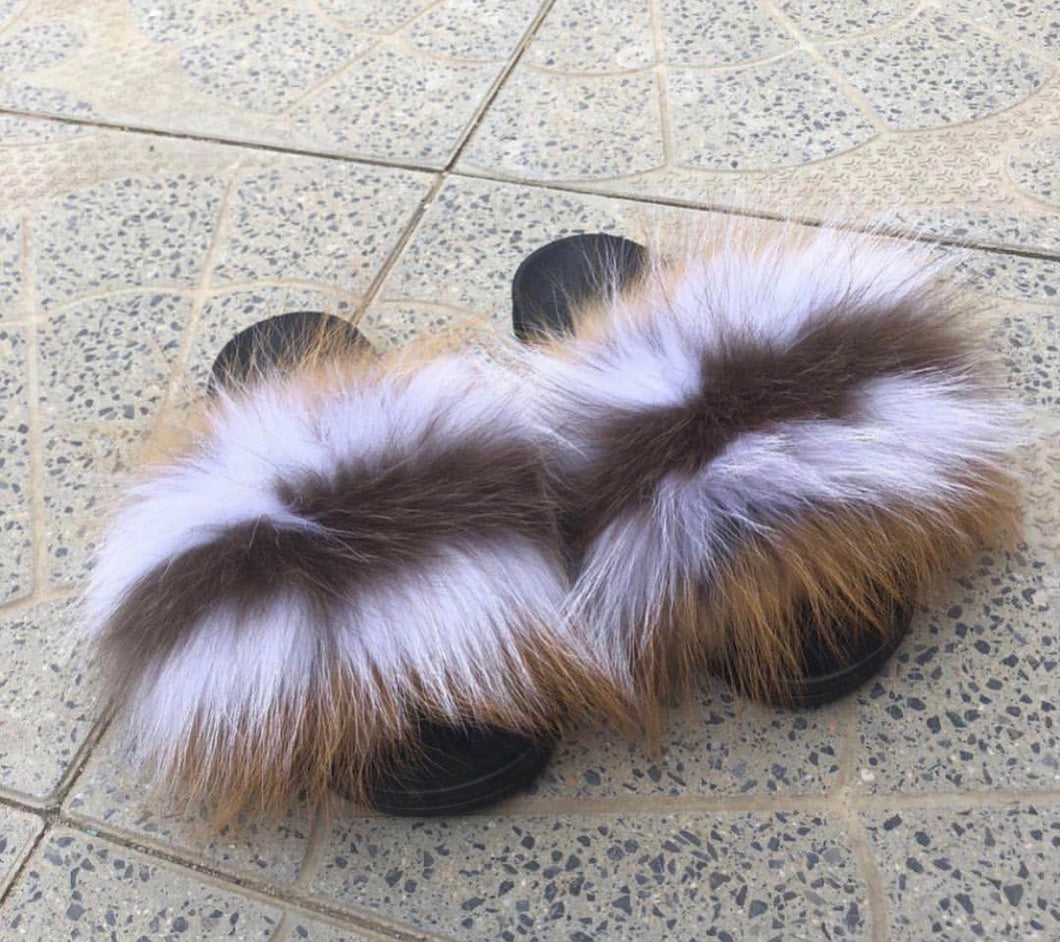 Roots fox fur slides