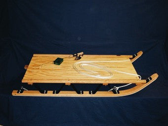 Smaller snow sled, similar in appearence to the basic freight sled