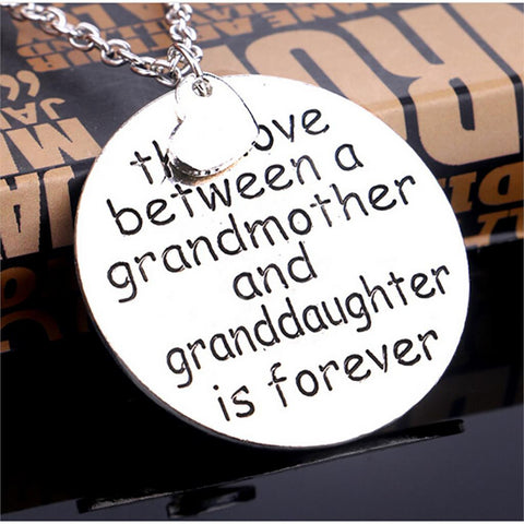 2017 Love Between Grandmother And Granddaughter Necklaces Double Heart Family Jewelry Necklace Pendants Circle Necklace Jewelry