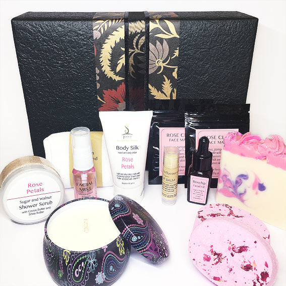 Christmas pamper gift pack for women